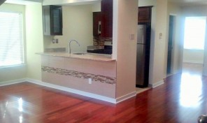 Washington Square 2Bed 2Bath bi-level unit + parking