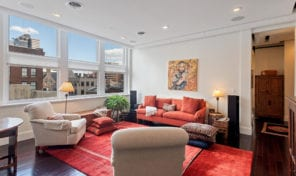 Mid-Town Village – 2BD 2.5BA mid-rise chic condo!
