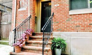 Olive Ct. FAIRMOUNT Town Home w/ PARKING