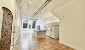 Stunning Large studio apartment – Olde City